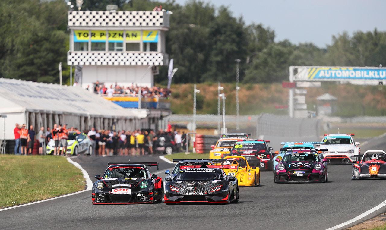 Finał Wyścigowych Samochodowych Mistrzostw Polski 2021 na Torze Poznań