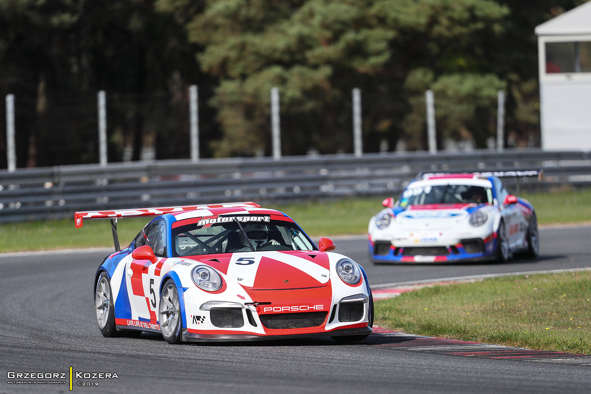 Za Radicalem eskadra Porsche - przed wyścigiem Endurance